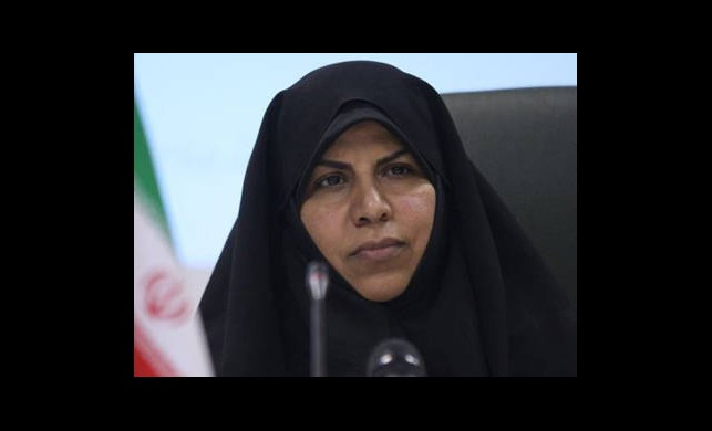 Ahmedinejad Tek Kadın Bakanını Görevden Aldı