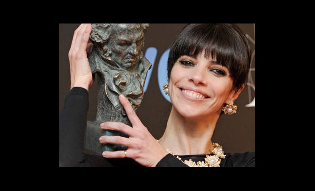 Goya, 'Pamuk Prenses'i Öptü!