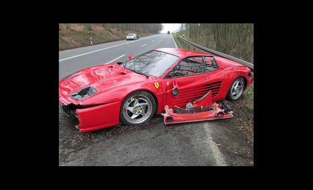 Ferrari Sürücüsünden Örnek Davranış