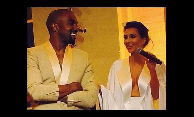 Kanye bu sefer abarttı