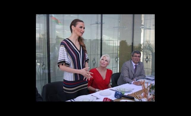 Süperstar 'Türk Dünyası'nı tanıttı