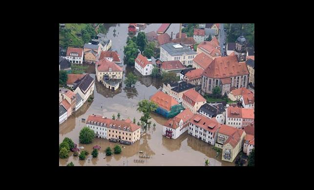 Almanya'da Sel Can Aldı