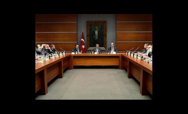 Arınç, Balkan Medyasını Kabul Etti