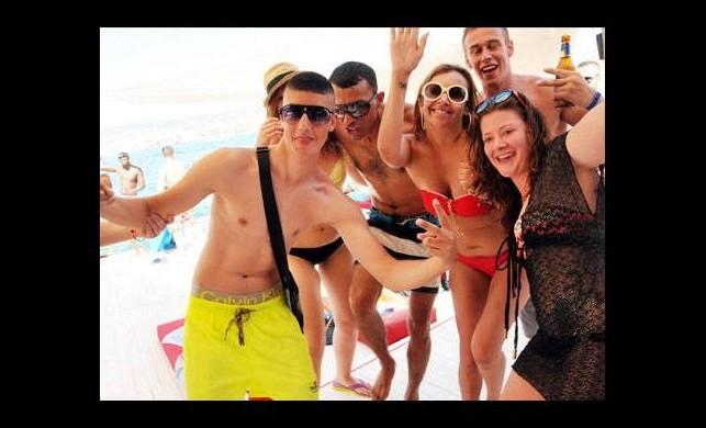 Çeşme ve Bodrum'daki plajlar para basıyor