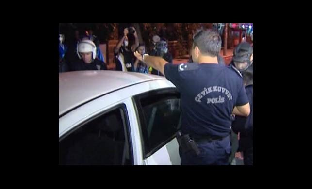 'Aracını Polislerin Üzerine Sürdü' İddiası!