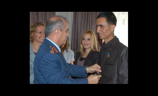 Damada Genelkurmay Başkanı'ndan Altın