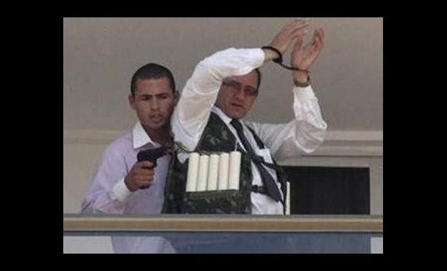 Rehine şoku! 'Devlet başkanı seçilirse patlatırım'
