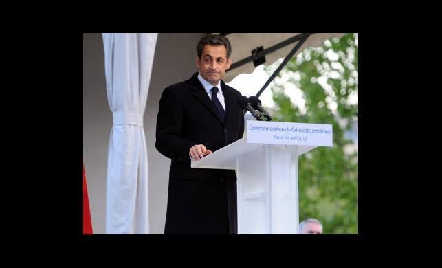 Sarkozy Ve Hollande'ye Tepki