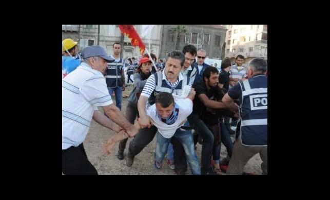 İzmir'de Şafak Baskını!