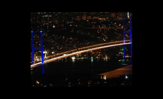 Bomba Şüphesi Köprü Yolunu Kapattırdı