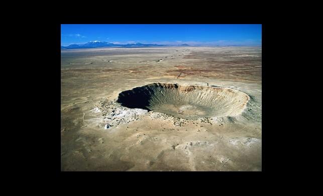 Su Şebekesi Patladı Krater Gibi Çukur Oluştu