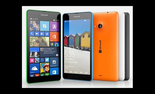 Microsoft'un Nokia'sız telefonu satışta!