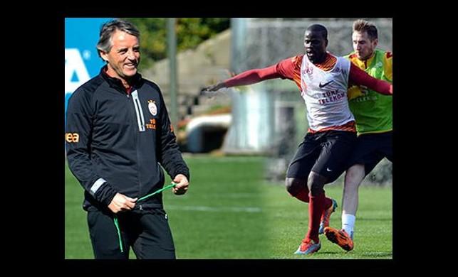 Mancini'den Eboue'ye sarı kart!