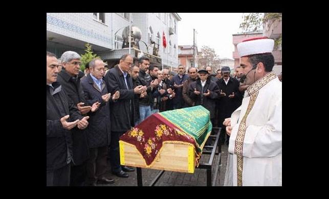 Kılıçdaroğlu'nun kayınvalidesi için cemevinde tören
