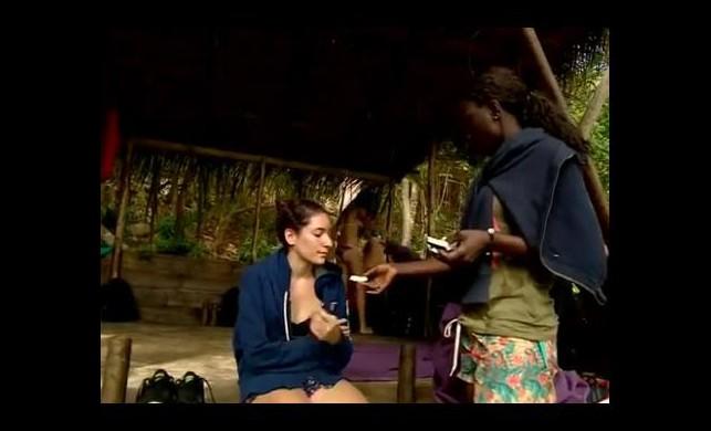 Survivor Samanta Berna'yı elleriyle besledi