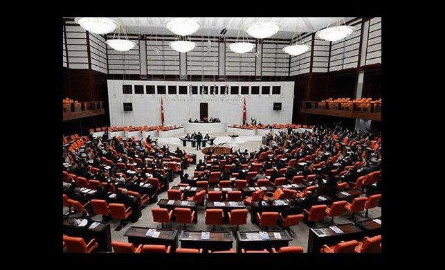 'Demokratikleşme Paketi' kabul edildi