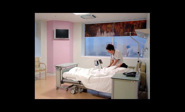 İşte Hastanelerde İlave Ücret Alınmayacak Kişiler