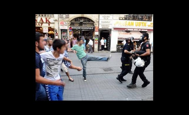 BDP Eyleminde Kasımpaşaspor Gerginliği