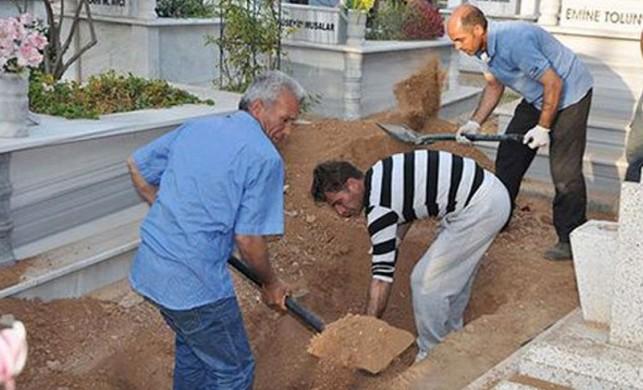Cenazeler karıştı, siyasi kriz patladı!