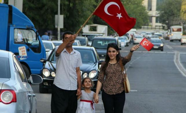 Diyarbakır'dan teröre sessiz tepki