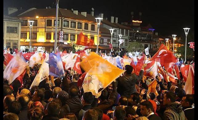 Avrupa AK Parti zaferine ne diyor?