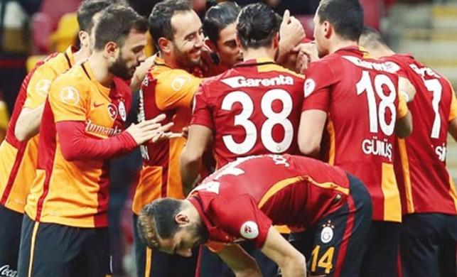Galatasaraylı futbolcular unuttu! Tam 111 gün...