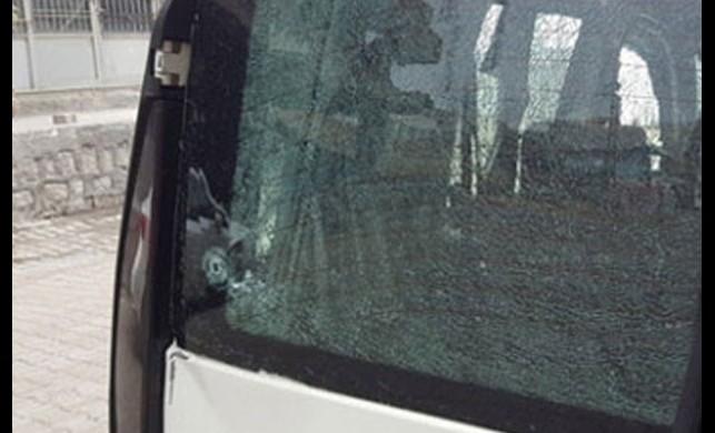PKK'lılar evini terk eden vatandaşlara ateş açtı: 1 yaralı