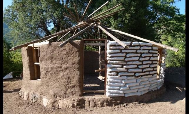 Doğa ve atık yardımıyla ev sahibi olun