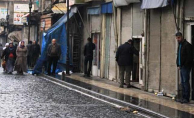 Bakan Şimşek, terör mağduru esnafa müjdeyi verdi