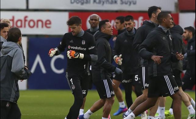 Beşiktaş'a Lyon maçı öncesinde iki kötü haber!