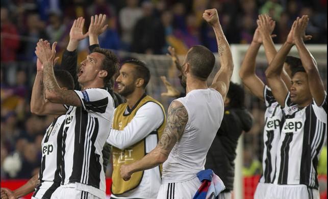 Juve, Camp Nou'da turladı! İtalyanlar sürprize izin vermedi