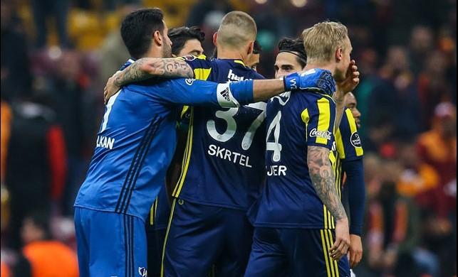 Josef'ten altın kafa! TT Arena'da zafer Fenerbahçe'nin...