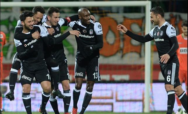 Beşiktaş'ın yıldızına dev teklif!