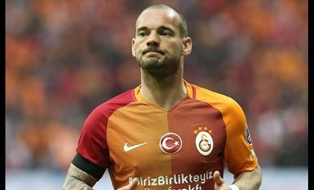 Sneijder yolları ayırmakta kararlı!