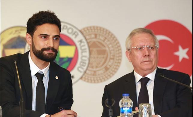 Fenerbahçe'nin yeni transferi Mehmet Ekici imzayı attı!