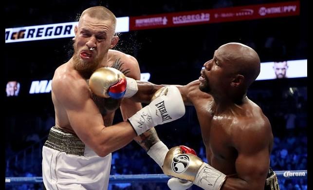 Tarihi boks maçının galibi nakavtla belli oldu!