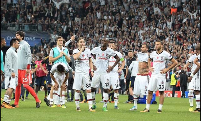 Beşiktaş'ta 3 imza birden! Yönetim harekete geçti...