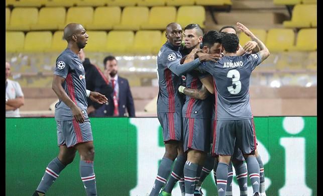 Beşiktaş, Monaco'yu da devirdi! Kartal bir ilki gerçekleştirdi...