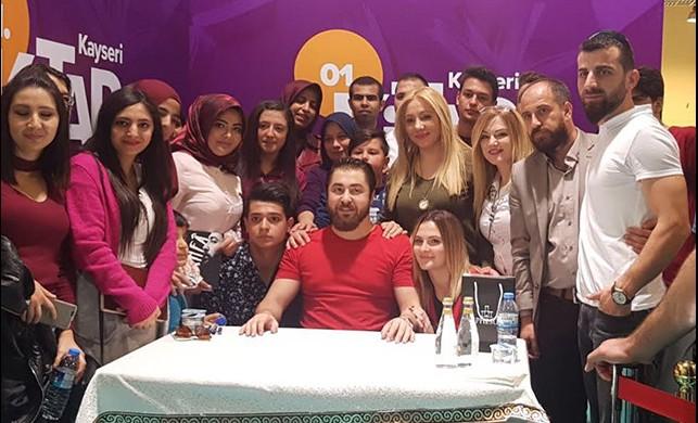 Semih Öztürk'e Kayseri Kitap Fuarı'nda sevgi seli!