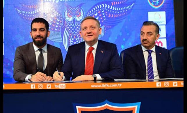 Arda Turan'dan imza töreninde Galatasaray mesajı!