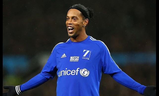 Ronaldinho futbolu bıraktı!