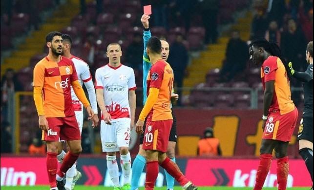 Ne yaptın Belhanda! Fenerbahçe derbisinde de...