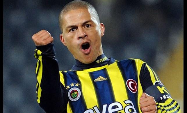 Alex de Souza açıkladı: 'İstanbul'a geliyorum'