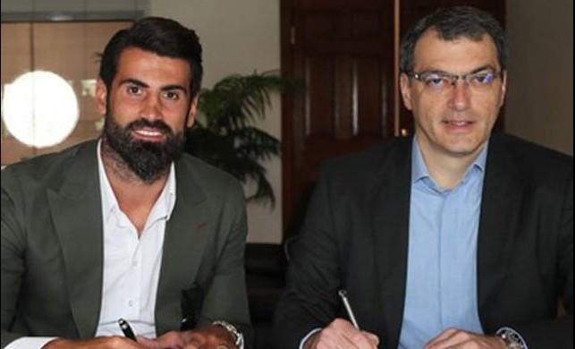 Fenerbahçe Volkan Demirel'le anlaştı