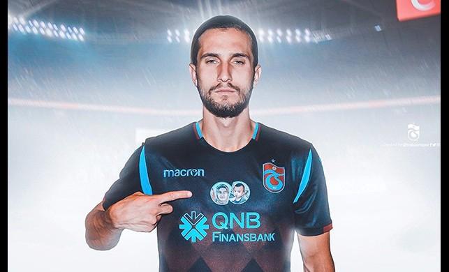 Trabzonspor'dan anlamlı hareket! Sahaya bu formayla çıktılar