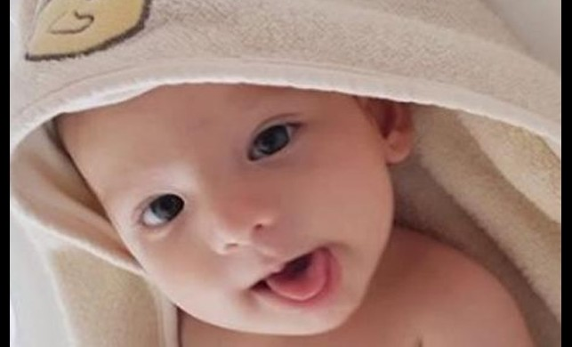 Özcan Deniz'in oğlu 4 aylık oldu