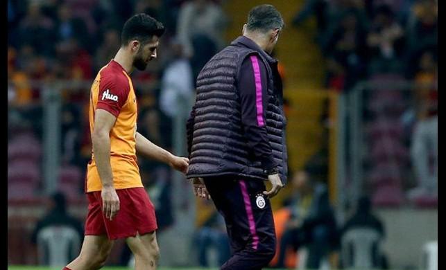 Porto maçı öncesi Galatasaray'da Emre Akbaba şoku!