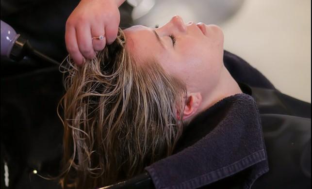 Evdeki Malzemelerle Hazırlayabileceğiniz Pratik Saç Maskeleri