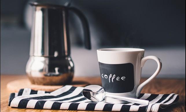 Her Gün Bir Fincan Kahve İçmek için 8 Geçerli Neden