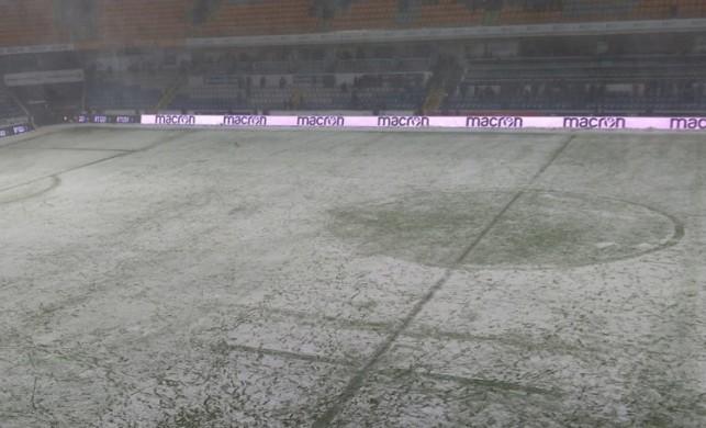 Başakşehir-Bursaspor maçına kar engeli! Karşılaşma ertelendi